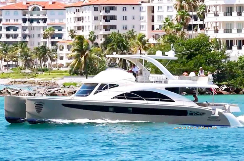 62 Catamaran Flybridge Motor Yacht