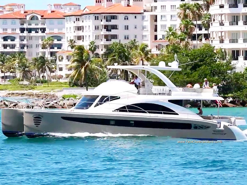 62 Power Catamaran