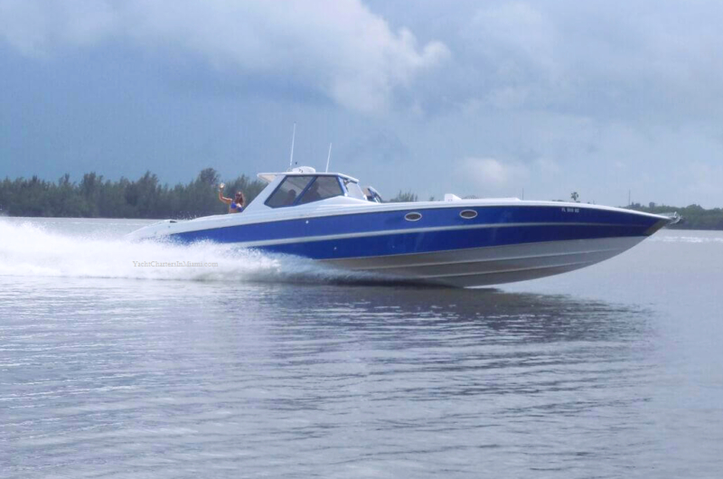 50 Nor-Tech Hi-Performance Yacht