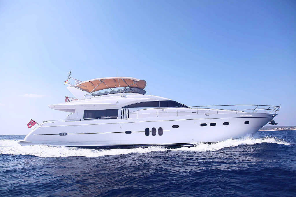 Yacht charters in miami 45 39 doral allegria for charter for Princess 75 motor yacht